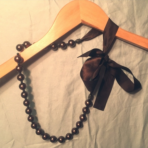 """Jewelry - Large Brown """"Pearl"""" Necklace"""
